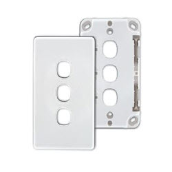 3 Port Wall Plate – White