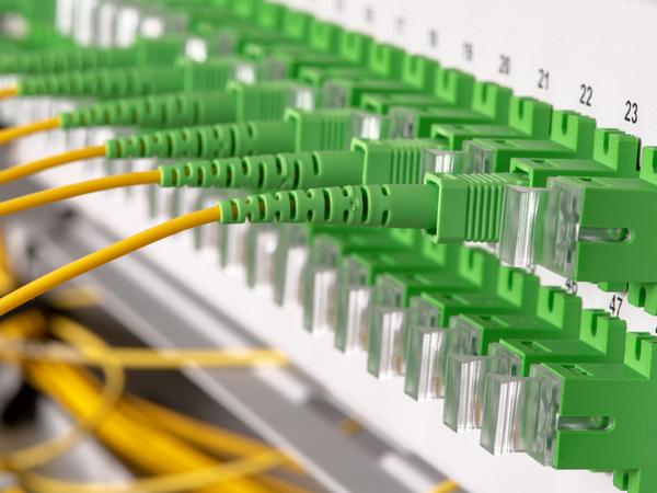 Provides fibre connectivity